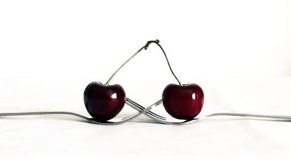 Kissing Cherries